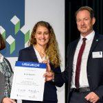 Insa Kübler von der Heimatwerk Hannover eG erhält das EBZ- und Wohnen in Genossenschaften- Stipendium